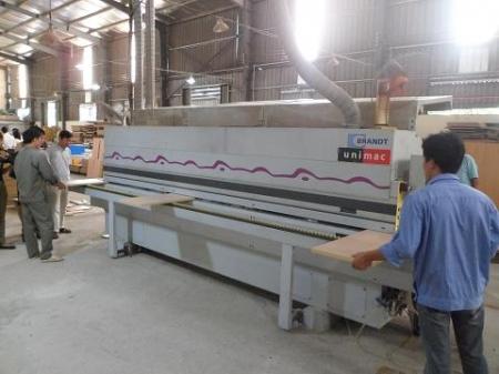 Mô hình trình diễn kỹ thuật sản xuất nội thất và thiết bị trường học