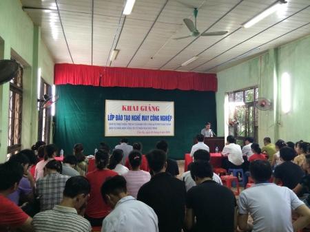 Công ty cổ phần may Bắc Ninh khai giảng lớp học nghề may công nghiệp
